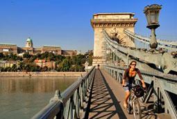 Húngara, la sandía que compite con la española en verano
