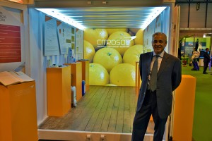 Benito Orihuel junto al Container-Know presentado en Fruit Attraction 2015