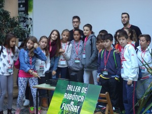 asistentes-al-taller-de-robotica-150
