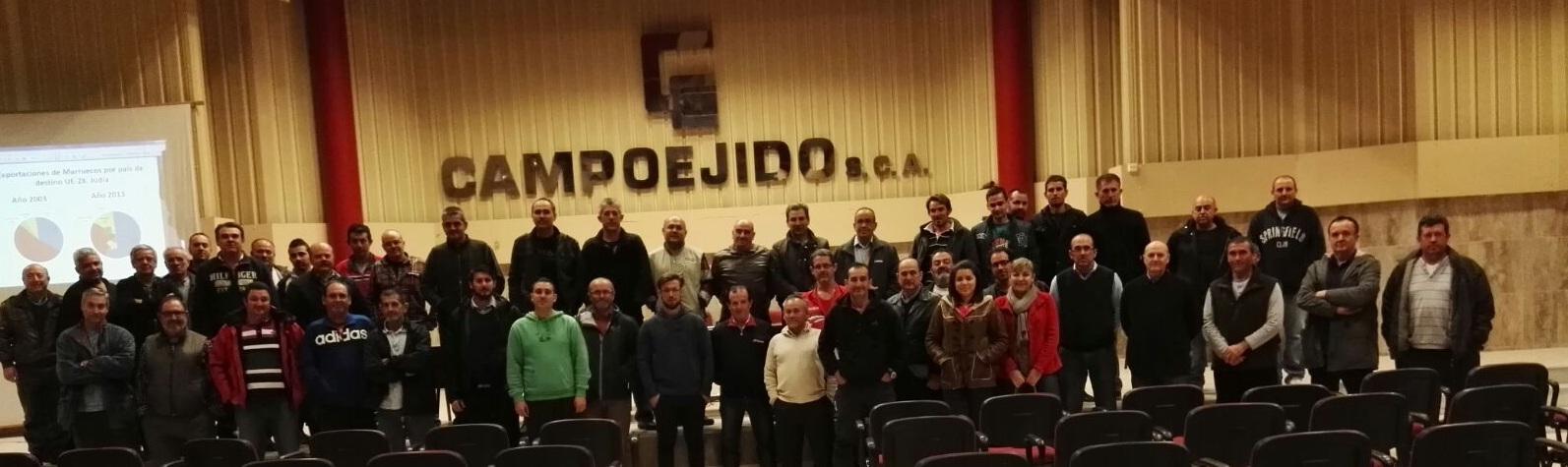 Reunión en Campoejido de los agricultores del movimiento del cortijo cero