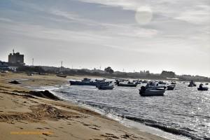 Barcas en Sanlúcar de Barrameda en la desembocadura del río Guadalquivir