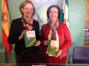 La consejera de Agricultura de la Junta de Andalucía, Carmen Ortiz, y la delegada de la Junta de Andalucía en Almería, Gracia Fernández