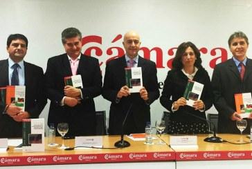El puerto de Almería tiende puentes comerciales con el norte de África