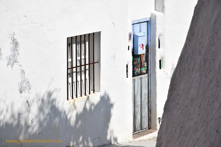 calles blancas y moriscas de Gualchos pueblo andaluz de la Alpujarra granadina