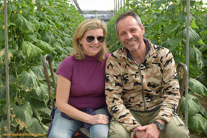 Marina Alonso y Miguel Torres, agricultores de pepino de Castell de Ferro, Granada