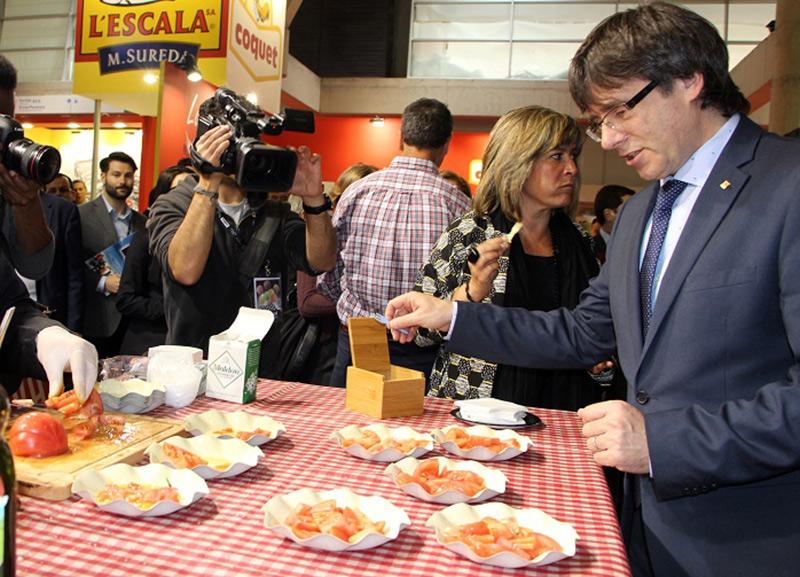 Carles Puigdemont también estuvo presente en la presentación del tomate Monterosa.
