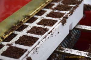 Máquina de siembra en El Plantel Semilleros
