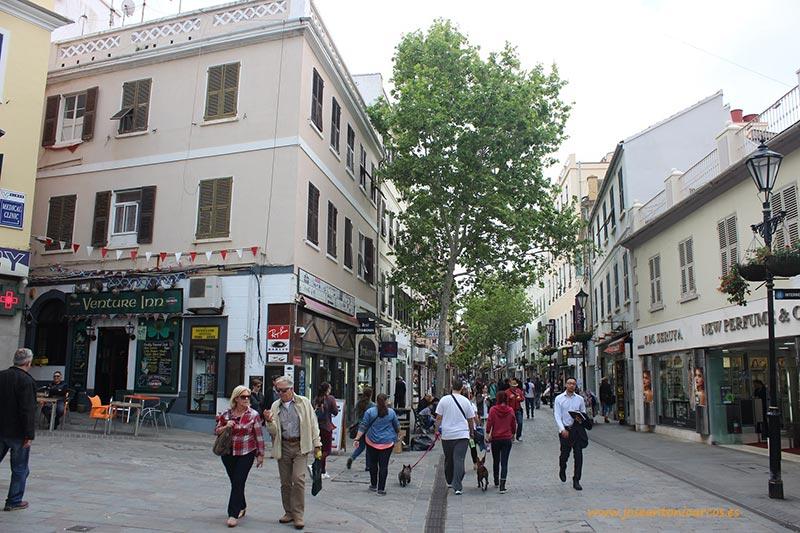 Calle principal de Gilbraltar.