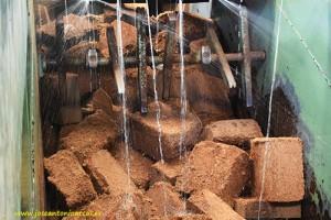 Hidratando-fibra-de-coco