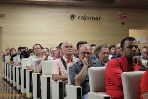 La Casa de Cultura de Cajamar se llenó ayer de técnicos y agricultores.