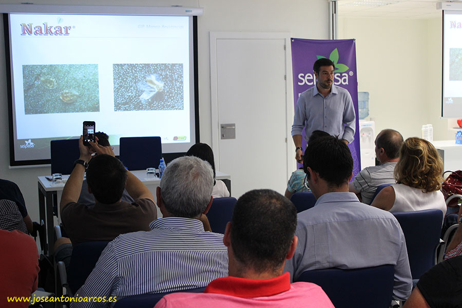 Xavier Nacher, director técnico de Seipasa, fue el encargado de presentar Nakar.