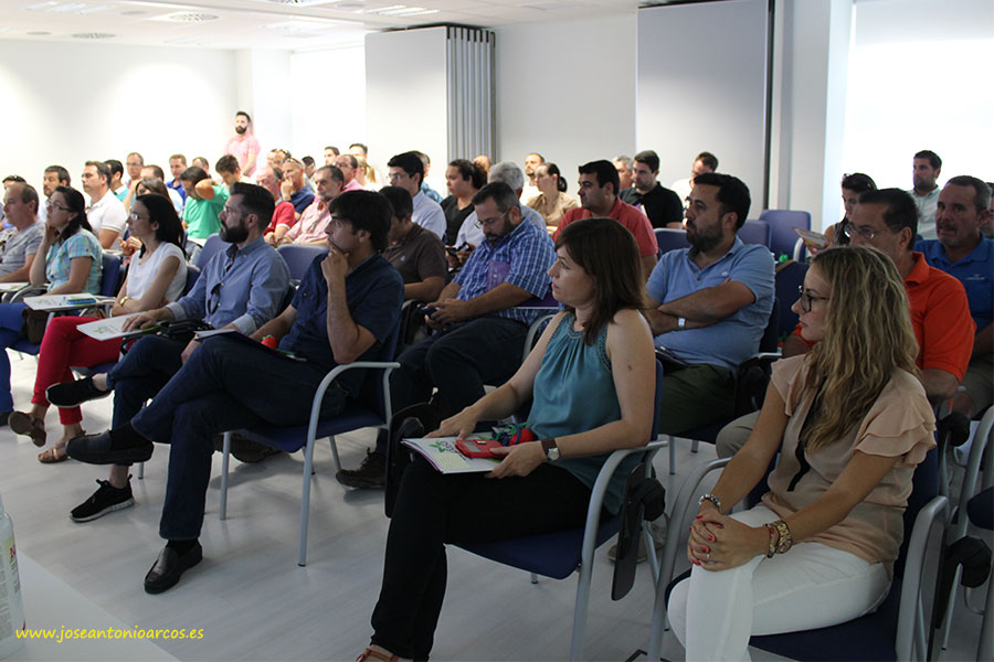 Jornada sobre mosca blanca organizada por Seipasa en la sede de Tecnova.