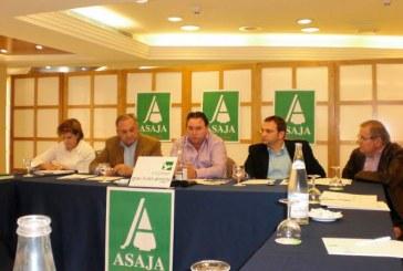 Asaja tiende puentes para unir a agricultores de Murcia y Almería