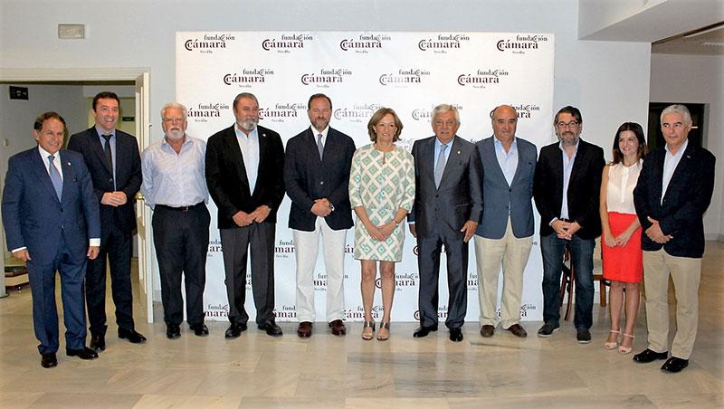 La consejera de Agricultura de Andalucía, Carmen Ortiz, en la Cámara de Comercio de Sevilla.