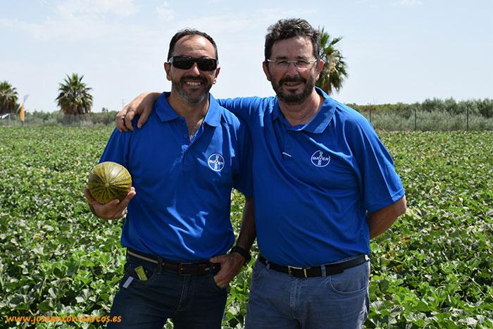 Paco Solera y Antonio Izquierdo con 'Kubari'.