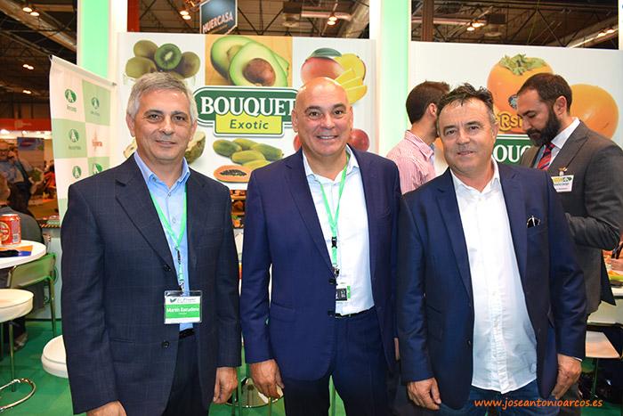 Miembros del equipo El Plantel Semilleros en el stand de Anecoop durante Fruit Attraction 2016.