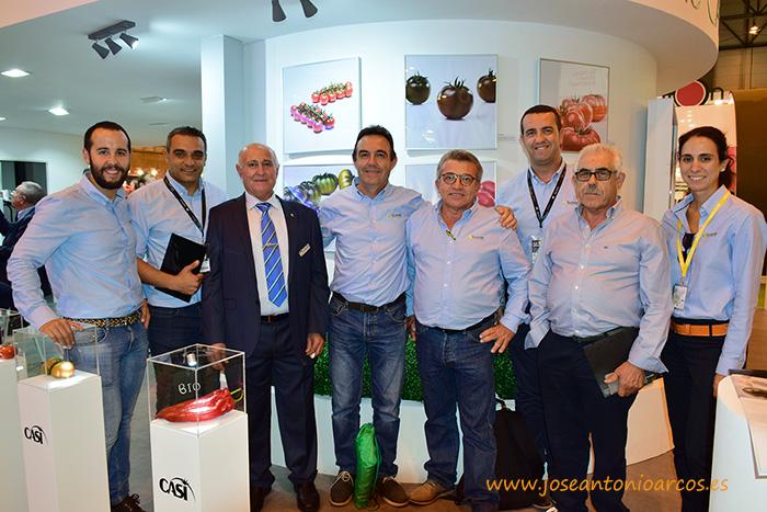 HM Clause en el expositor de CASI en la feria agrícola de Fruit Attraction 2016, en Madrid.