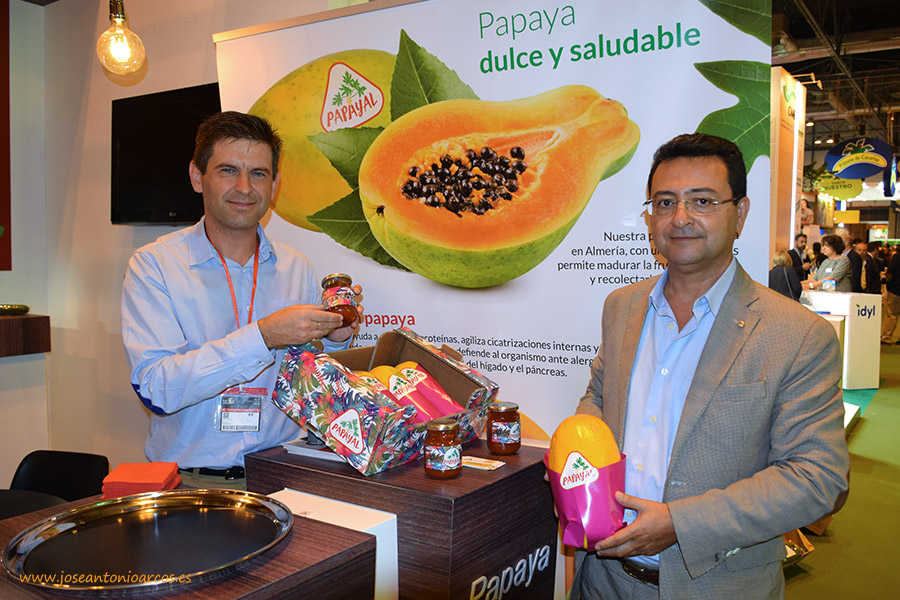 Productores de Almería, Málaga y Murcia se unen en 'Papayal'