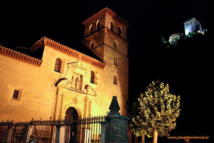 Al-Andalus, Paseo de los Tristes en la ribera del río Darro, junto a la Alhambra de Granada.