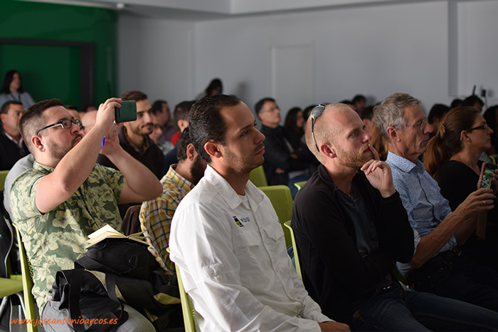 Curro Lucas, entre el público, durante la charla de David del Pino en la House Fair Spain 2016. Enza Zaden en El Ejido, Almería, España.