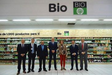 Carrefour y la Junta se unen para difundir el consumo ecológico