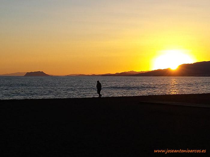 Puesta de sol en la Bahía de Mazarrón, Murcia, Bolnuevo.