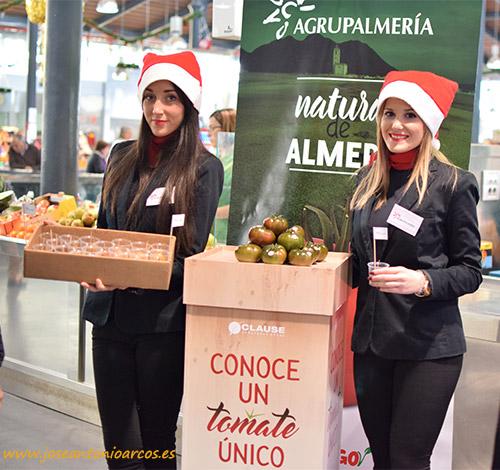 El nuevo tomate de HM Clause se promociona en el Mercado Central de Almería. Tomates de Agrupalmería.