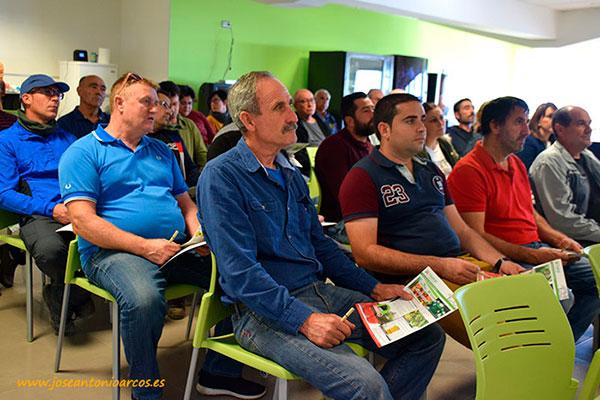 Agricultores de Escobar & Castañeda presentes en la charla técnica.