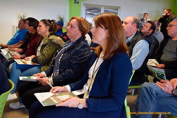 Charla técnica sobre innovaciones agrícolas, organizada por la empresa de Las Norias, Escobar & Castañeda, en sus instalaciones de El Ejido, Almería.