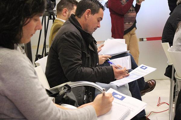 Periodistas almerienses durante la presentación del informe hortofrutícola de AMB-BNFIX.