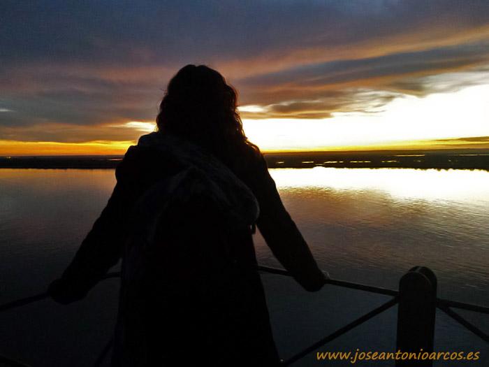 Ana Rubio. Atardecer en el Muelle del Tinto de Huelva.