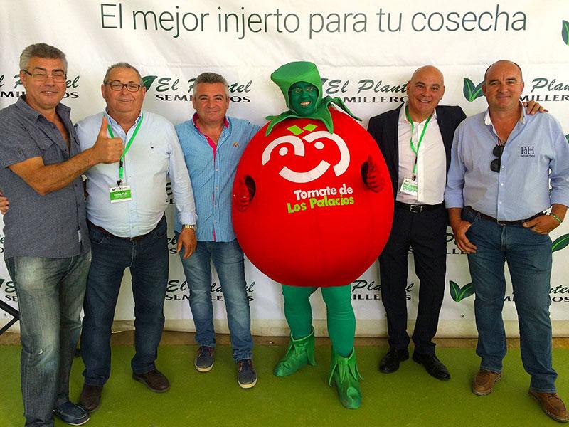 El Plantel traslada al agricultor sevillano su experiencia en tomate