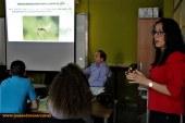 Los alumnos de Vícar proponen hoteles para bichos en el exterior de los invernaderos