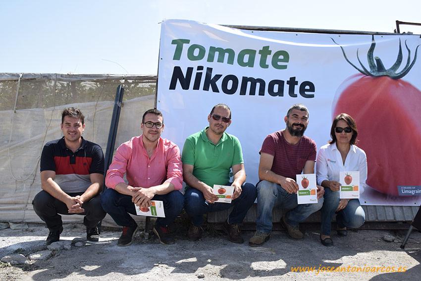 Nikomate es un tomate. Un pera con calibre