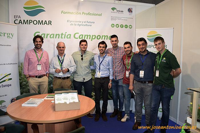 Alumnos y profesores de EFA Campomar en la feria agrícola InfoAgro en Aguadulce.