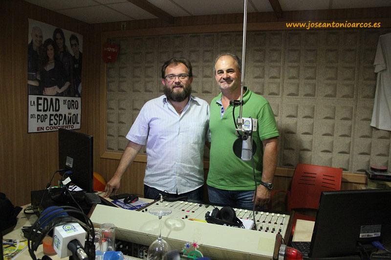 Con el bueno de Antonio Gómez en su mítico programa de radio, 'A pie de campo', toda una referencia de la radio agrícola en Almería.