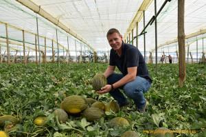 Henry Smienk con el nuevo melón Miranbel, Ramiro Arnedo.