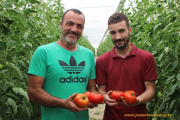 Los Fuentes, padre e hijo. Agricultores almerienses