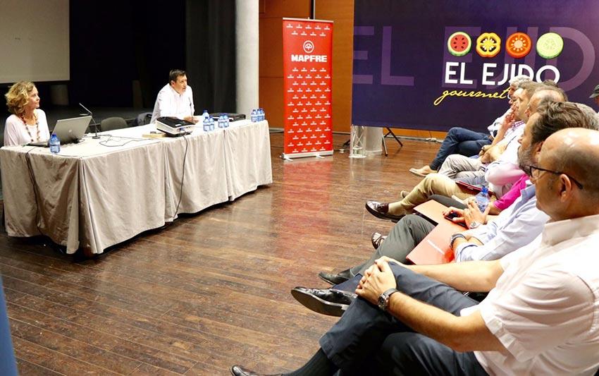 Agroseguro y Mapfre informan en El Ejido sobre novedades y coberturas