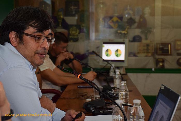 Charla del consultor español José Miguel Flavian Erlac.Charla del consultor español José Miguel Flavian Erlac.