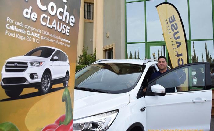 El agricultor Tesifón Peregrina recoge las llaves del coche de HM Clause