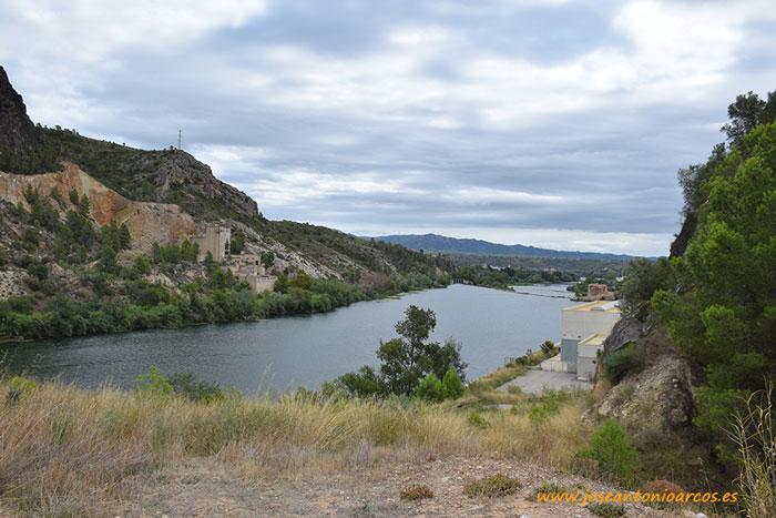 Ribera del río Ebro. Tarragona, Cataluña, España.