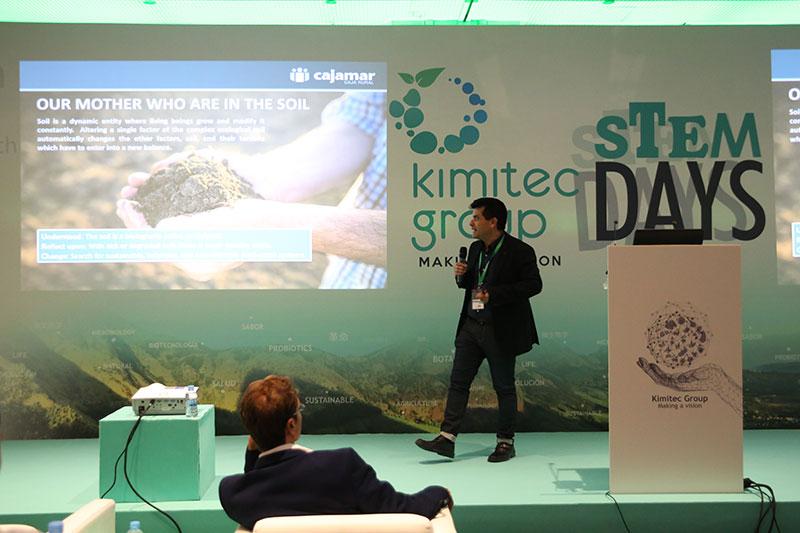 Miguel-Angel-Domene-en-la-Convencion-de-Biotecnologia-de-Kimitec-Group