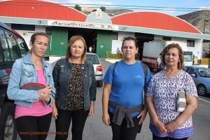 Agricultores granadinos defienden en El Pozuelo y La Rábita sus invernaderos del derribo anunciado por la Dirección General de Costas.