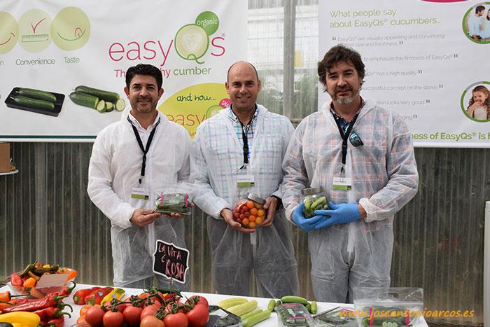 Miguel-Salinas,-Cucurbits-Sales-Manager,-Antonio-Granados-Sales-Representative-y-Oscar-Herrerias,-Sales-Manager-cucumbe