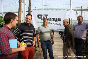 Técnicos y agricultores en las jornadas de puertas abiertas de agroTIP en invernaderos de Almería.