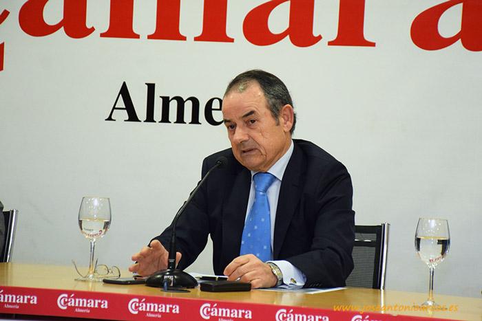 Antonio Alonso durante la presentación del informe hortofrutícola 2016/17.