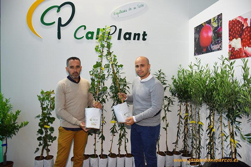 Caliplant en Agroexpo 2018. Dionisio García, encargado de vivero, y Juan Antonio García, director comercial.