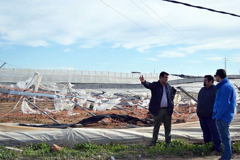 Ansiedad entre los afectados del tornado por el silencio de la Administración