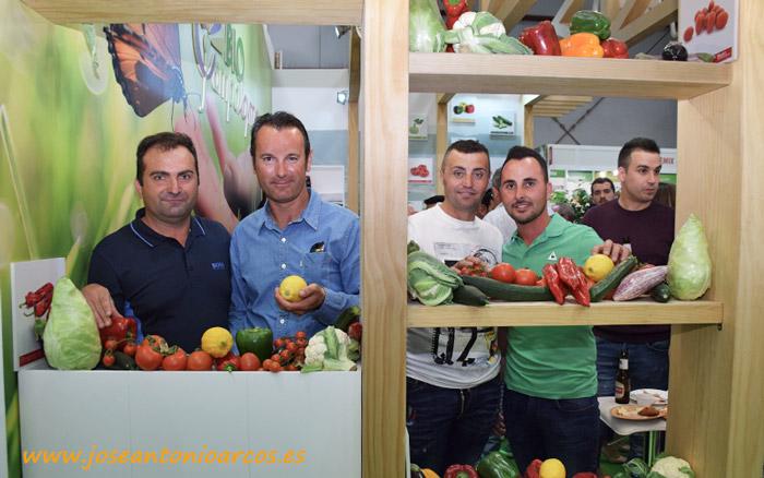 Bonifacio Olivencia, José Luque y José Rivas, agricultores de Campojoyma, con el técnico Francisco Martínez.